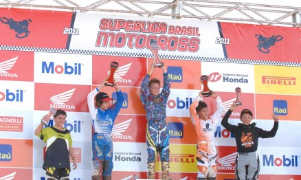 Pódio da categoria 65 na Superliga de Motocross em Paulínia