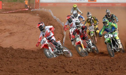Largada da categoria MX1 da Superliga em Paulínia
