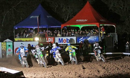 Frio marcou abertura do Gaúcho de Supercross