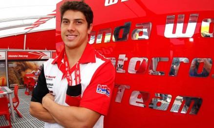 Swian no box da equipe oficial Honda no GP da Espanha