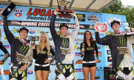 Blake, Tyla e Dean no pódio da categoria 250 em Millville