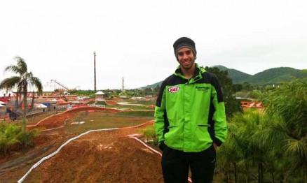 Dudu Lima na pista do Beto Carrero World em Santa Catarina