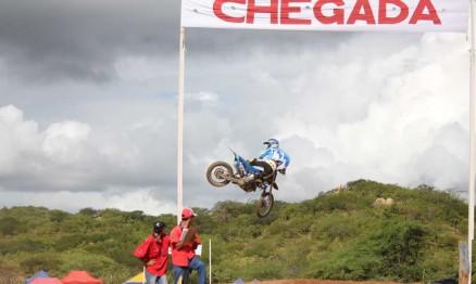 Julio Cesar venceu a primeira etapa do Paraibano de Motocross 2011