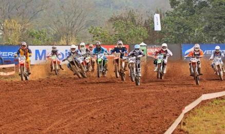 Primeira largada da categoria MX1 em Maratá