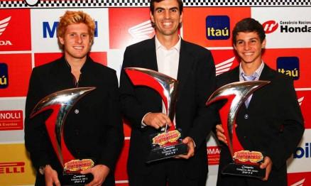 Adam Chatfield, Cristiano Lopes e Thiago Formehl