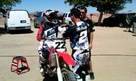 Reed e Mcgrath em Pala durante os testes da nova CRF 450 2012
