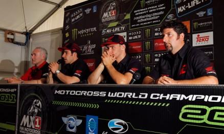 Gonçalves e Bobryshev continuarão na equipe oficial Honda em 2012