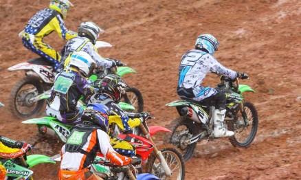 Largada da categoria MX3 no Brasileiro de Motocross em Anchieta