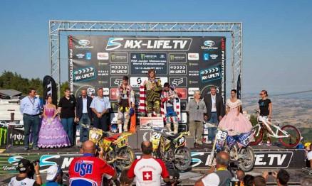 Pódio da categoria 125 no Mundial de MX Júnior 2011 na Itália