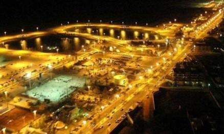 Vista noturna da Orla de Atalaia em Aracaju