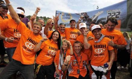 Festa da equipe KTM pela conquista do título Mundial na MX1