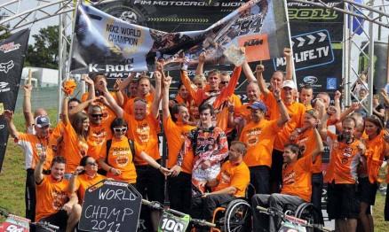 Festa da equipe KTM pela conquista do título Mundial na MX2