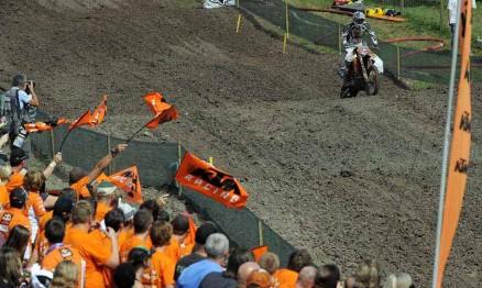 Festa da torcida da KTM para o campeão Kenny Roczen