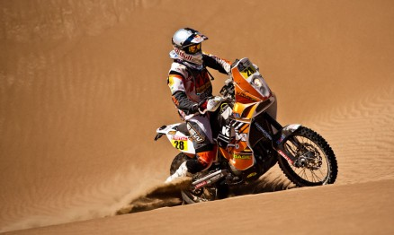 Felipe Zanol é top 10 no Rally Dakar