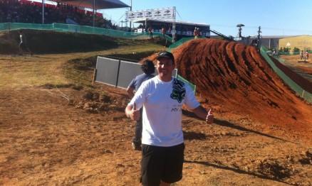Alemão Tassi cusrtindo o GP Brasil de Motocross