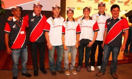 Rodney Smith com membros do Team Honda Brasil 2012