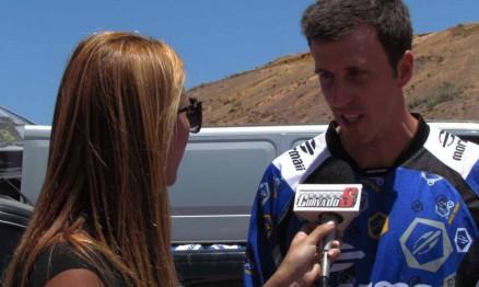 Raulzinho sendo entrevistado pelo Programa Curva do S