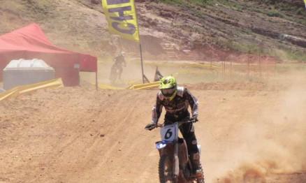 Raul tem mais de 20 títulos no Motocross do Rio de Janeiro