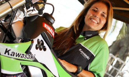 Moara é a única mulher no circuito de Rally brasileiro