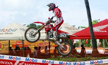 Hector foi o mais rápido nos treinos deste sábado na MX2