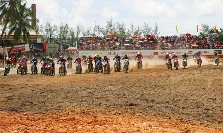 Largada da categoria MX2 na etapa de Pernambuco