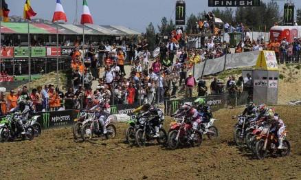 Largada da categoria MX1 no GP da Itália