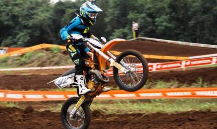 Enzo em ação no Brasileiro de Motocroes 2012