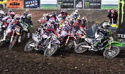 Largada da categoria MX2 na Bélgica