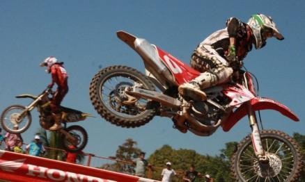 Motocross comandou a festa dos 20 anos de Cacaulândia