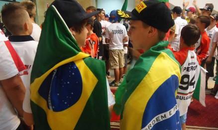 Enzo e Thui na cerimônia de abertura