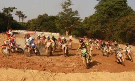 Pilotos mantém ritmo no Rondoniense de Motocross