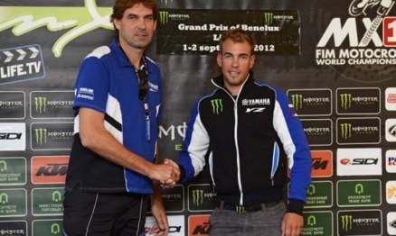 Frossard - a direita - renovou seu contrato com a Yamaha