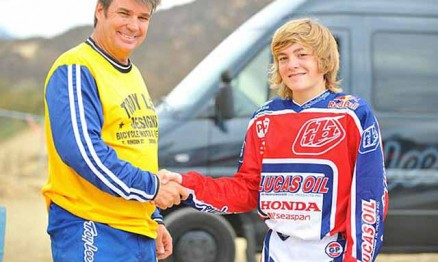 Troy Lee contrata Justin Hoeft