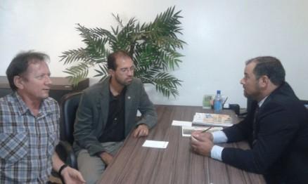 Presidente da FMR em reunião com autoridades
