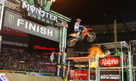 Dungey vence