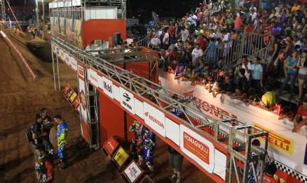 Com ingressos esgotados, Arenacross terá casa cheia
