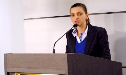 Andréa Luiza Grando(1)