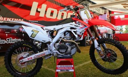Fotos das motos do Monster Energy Cup 2013