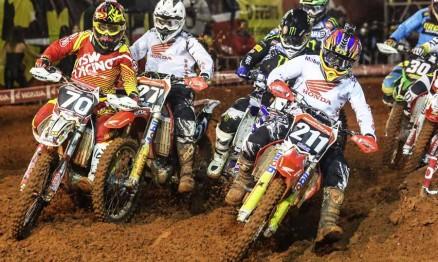 Vídeos – Quinta etapa Arenacross 2013 – Botucatu