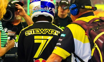 Vídeo – James Stewart pronto para 2014