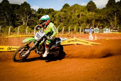 Stedile vence e mantém liderança no Paranaense de Cross-Country