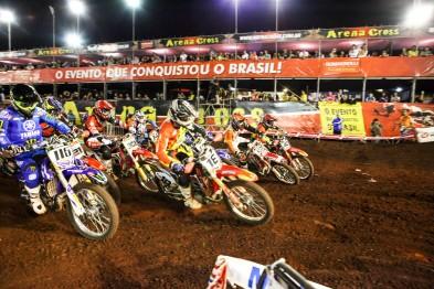 Arena Cross realiza últimos preparativos para etapa em Goiânia