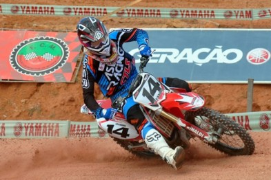 Leandro Silva lidera as classes MX1 e MX2