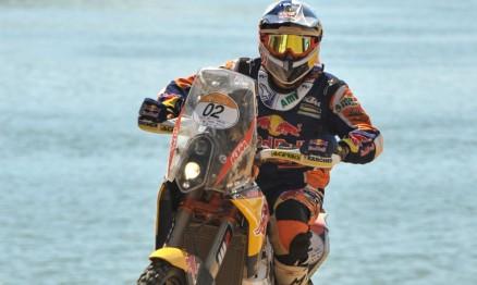 Marc Coma vai abrindo vantagem na liderança das motos. Foto por David Santos Jr