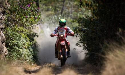 Jean Azevedo é o melhor brasileiro nas motos. Foto por Jonne Roriz