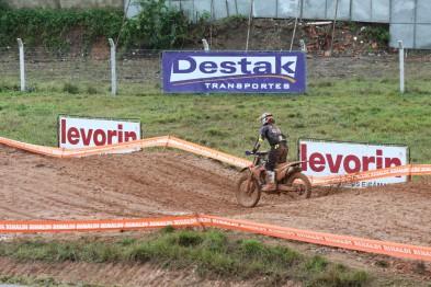 Máquinas na pista, começou a terceira etapa do Brasileiro de MX