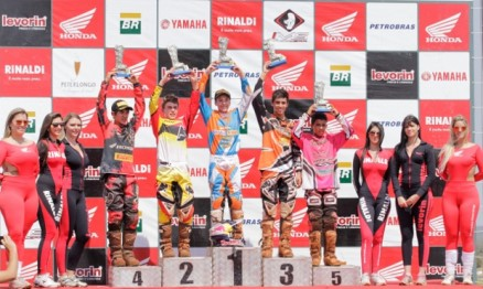 Pódio categoria MX Junior