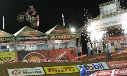 Hector Assunção é campeão da categoria MX2