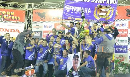 Festa da Yamaha Geração pelo campeonato do espanhol