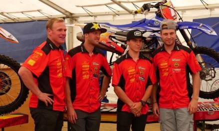 O chefe de equipe, Joel Smets, com Kevin Strijbos, Julien Lieber e Jeremy Van Horebeek.